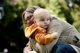 Antes de contratar a una cuidadora para tu bebé
