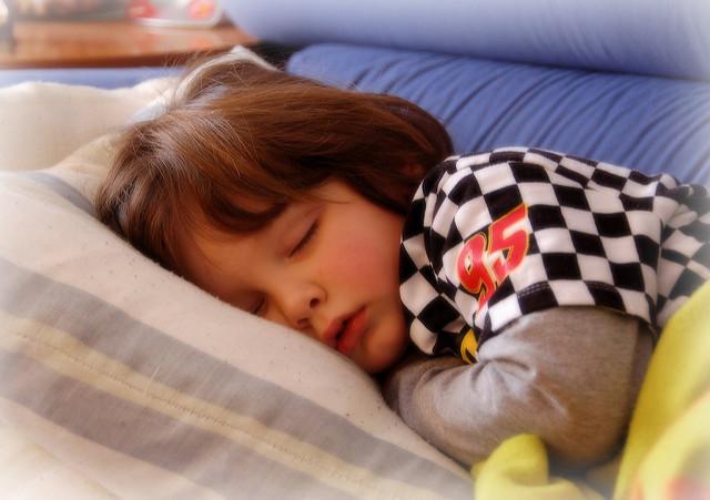 trucos conseguir hijo duerma cama