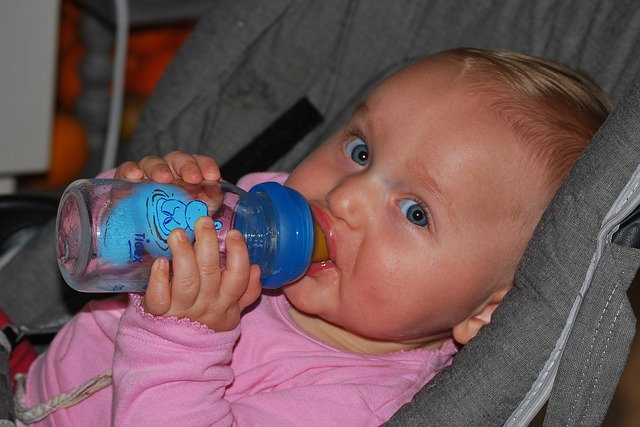 Cómo proteger al bebé contra calor del verano